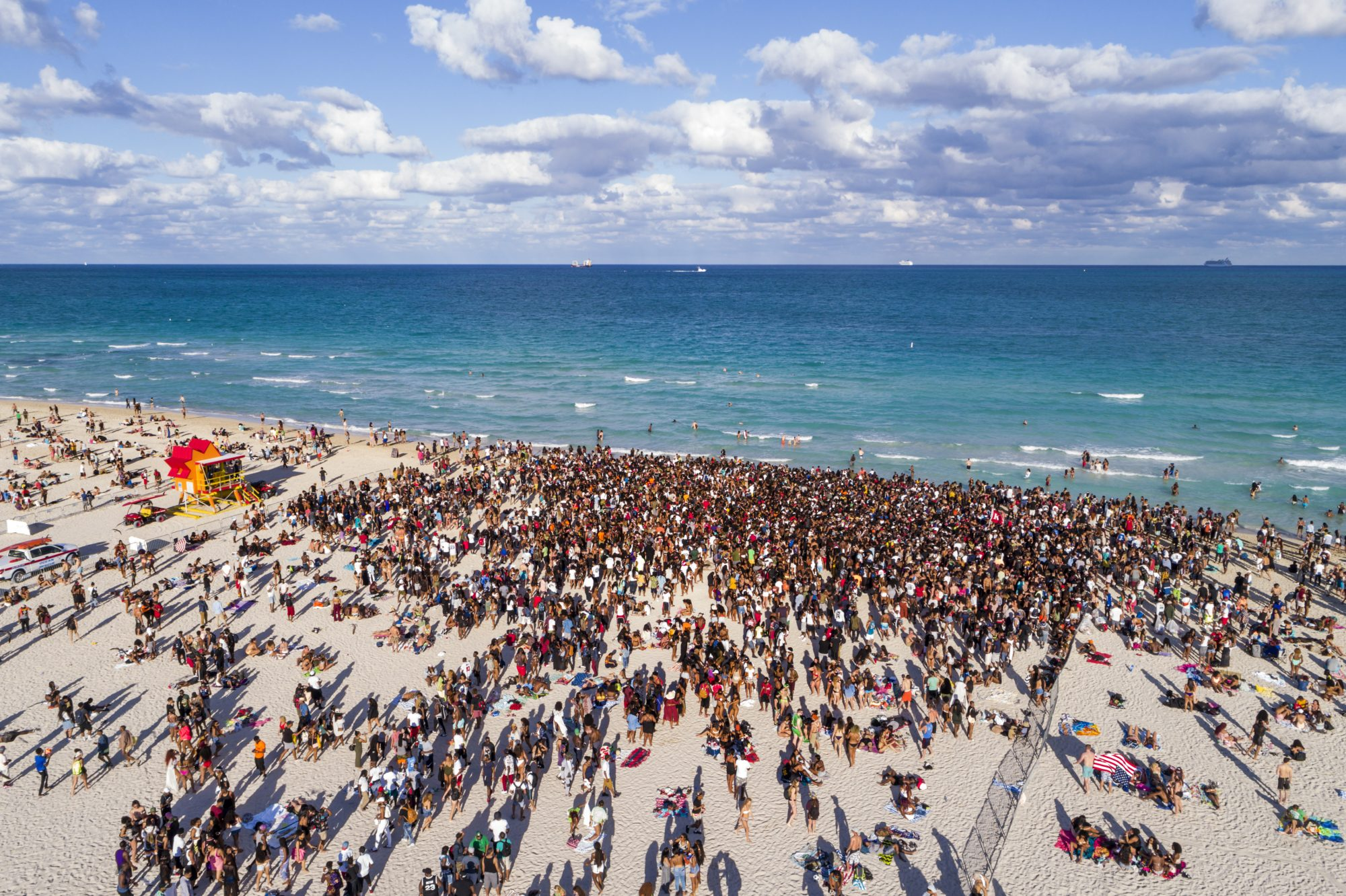 covid-19 , coronavirus, florida-spring-break-coronavirus , university-of-tampa , Miami Beach, Aerial of Spring Break Crowds