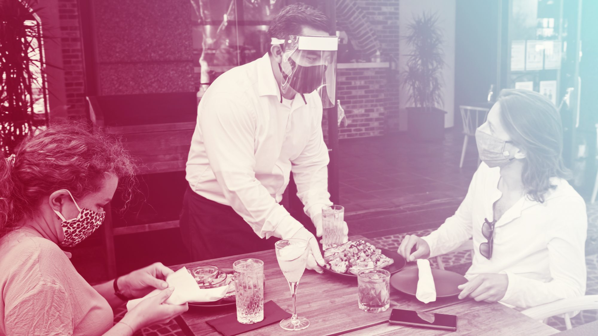 Texas-Restaurants-Face-Backlash-Threats-For-Continuing-To-Require-Masks