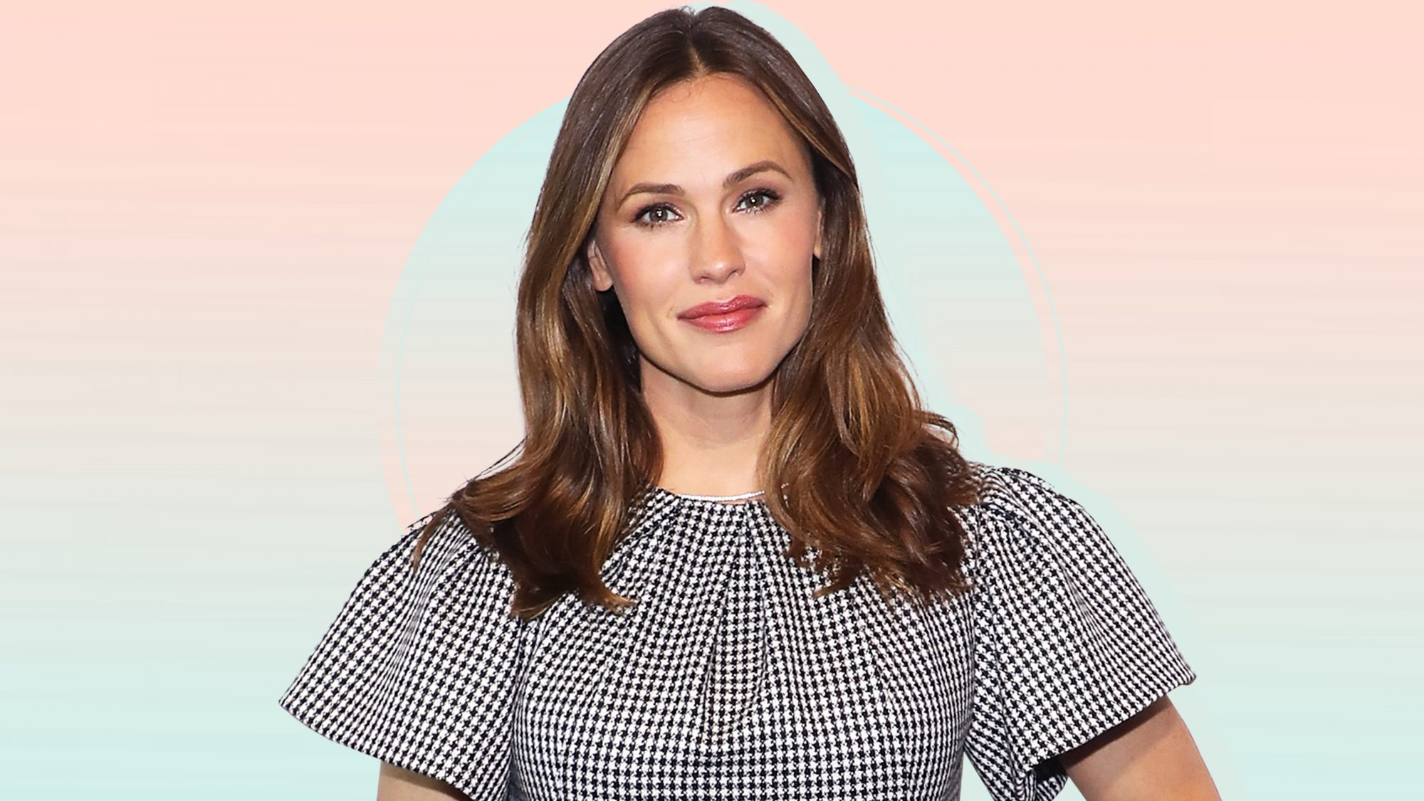 Jennifer-Garner's-Go-To-Fall-Face-Masks-Have-Sold-Out-15-Times-But-They're-In-Stock-Now-GettyImages-1156841111