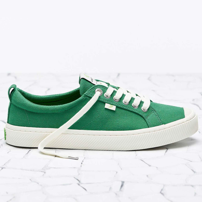 Cariuma Shoes