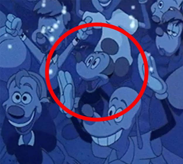 Hidden-Mickey-A-Goofy-Movie-Close-Up
