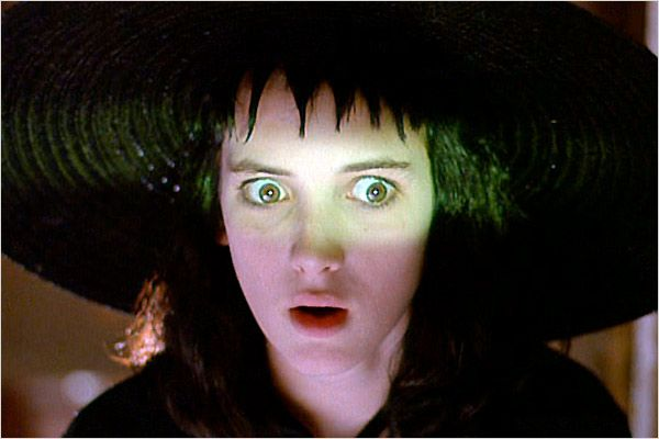 beetlejuice-2-release-date-set-with-original-cast-members-michael-keaton-and-winona-ryder-ready-to-reprise-their-roles