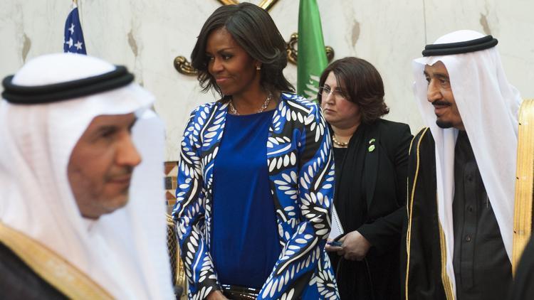 chi-michelle-obama-headscarf-saudi-arabia-2015-001