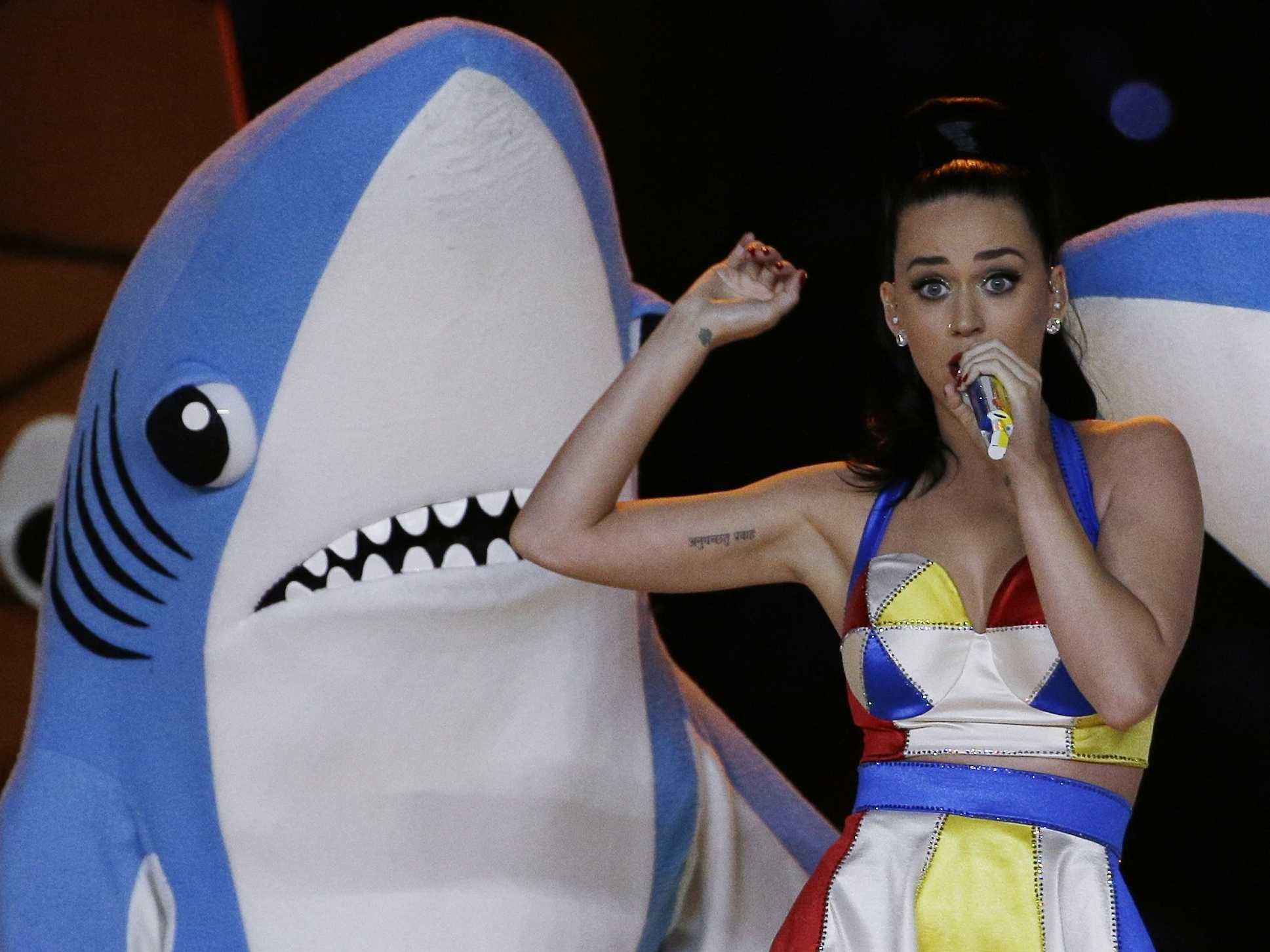 we-finally-know-the-identity-of-the-left-dancing-shark-from-the-super-bowl