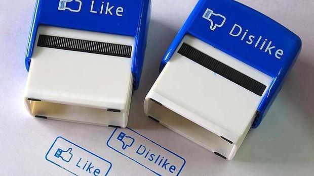 art-facebook-like-dislike-620x349