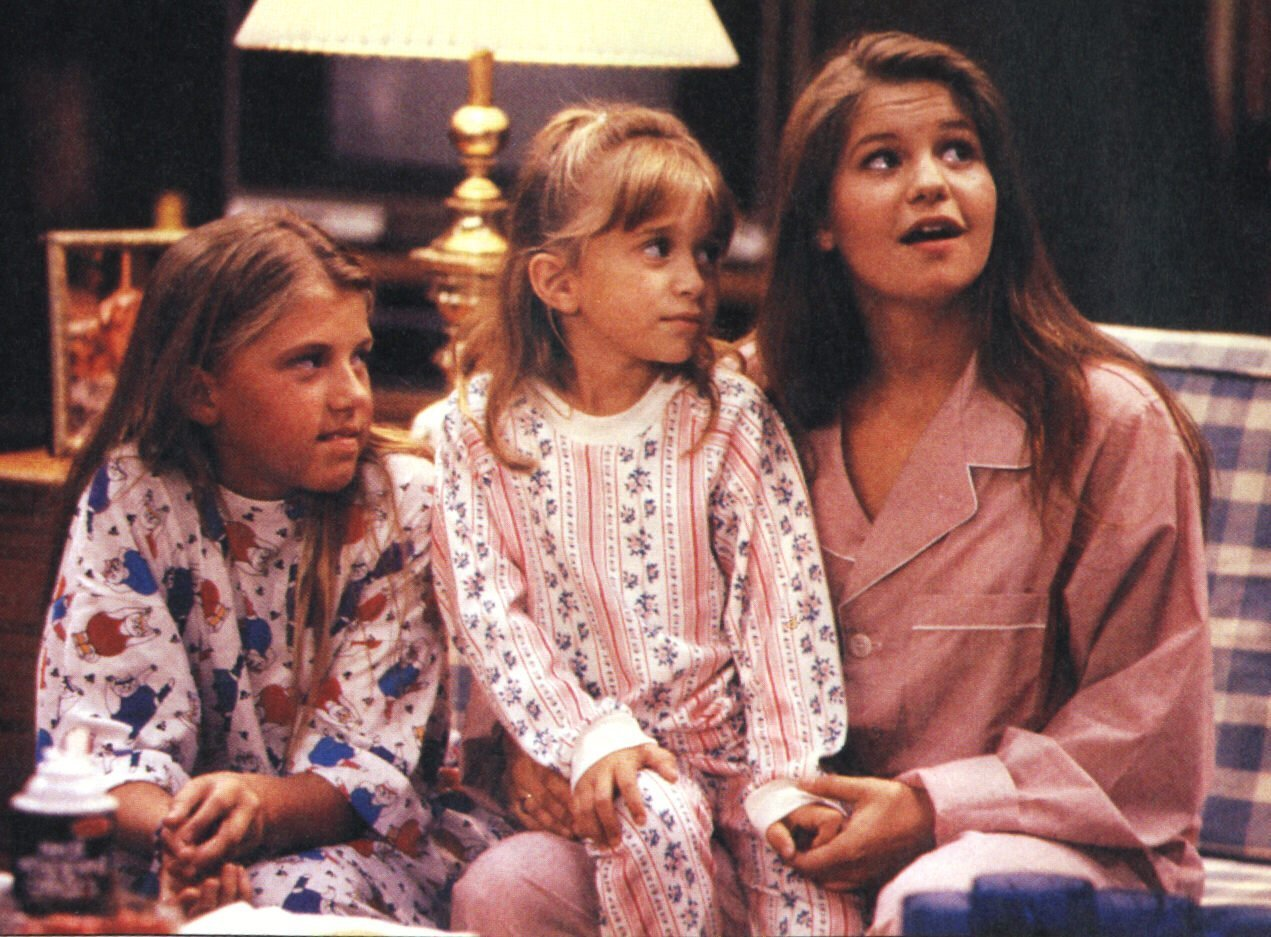The-Girls-DJ-Stephanie-Michelle-tanner-family-and-katsopolis-family-and-joey-21615904-1271-937