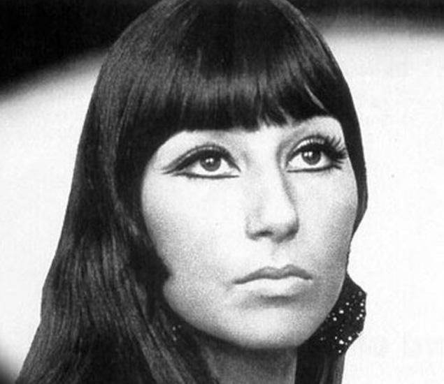Cher-Vintage-Eyeliner