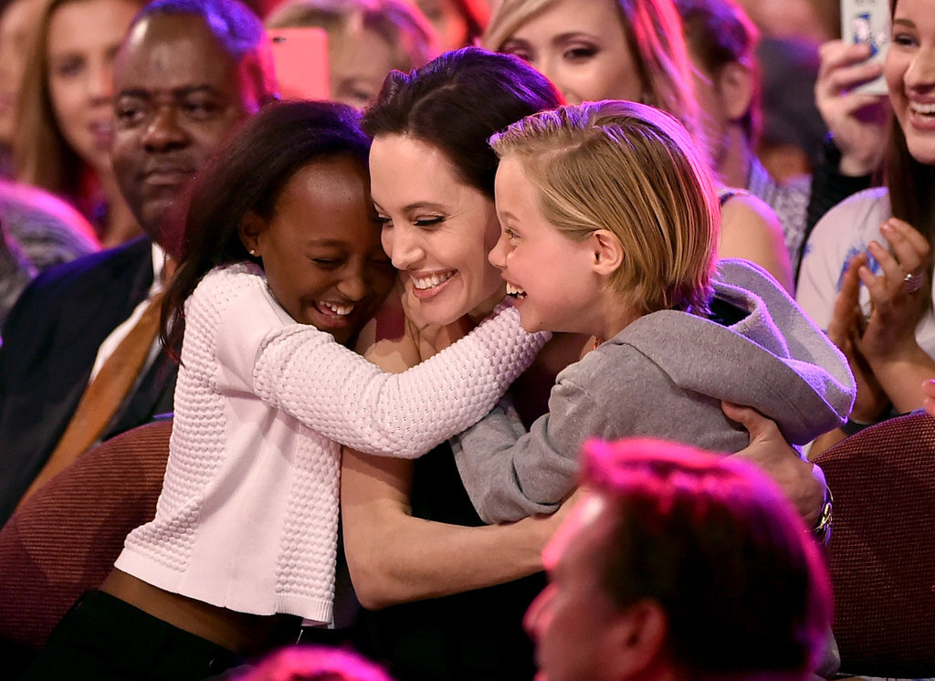 Angelina-Jolie-Shiloh-Zarah-Kids-Choice-Awards-1