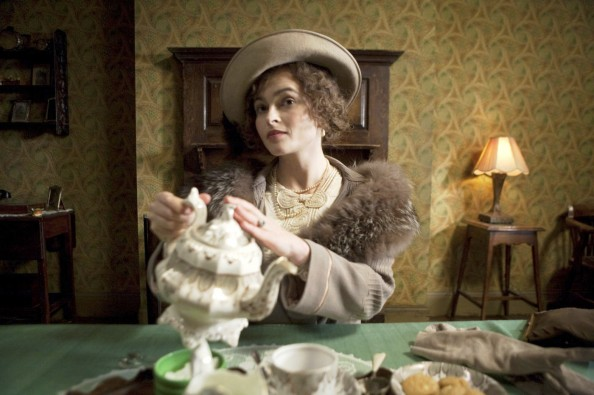 Helena_Bonham_Carter_Queen_Elizabeth_The_Kings_Speech_Tea_Scene-594x395