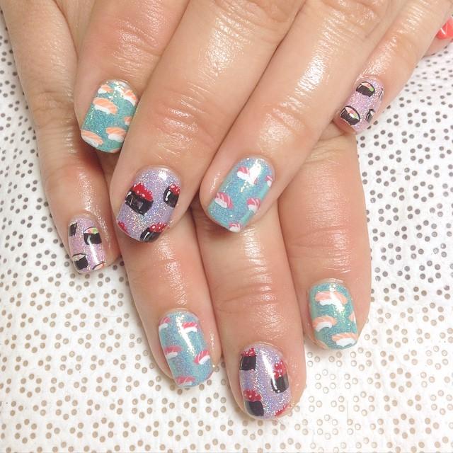 kattclaws-sushi-pattern-nails