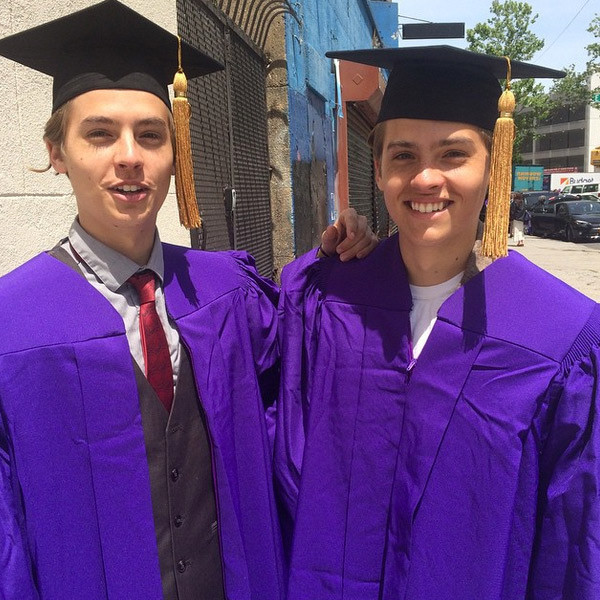 rs_600x600-150520121539-600.Dylan-Sprouse-Cole-Sprouse-graduation.jw.52015_2
