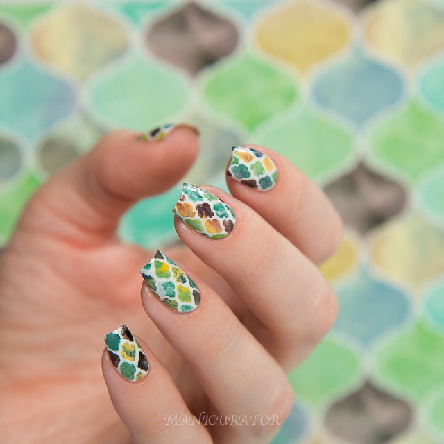 Erin-Condren-Quatrefoil-nail-art037