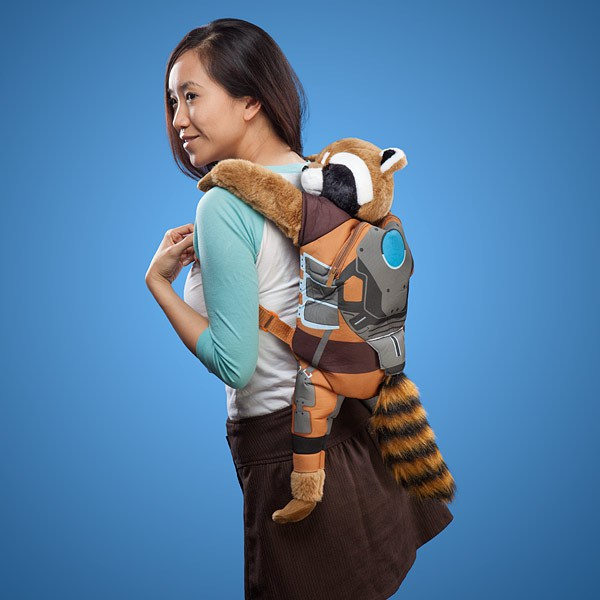 htvo_guardians_galaxy_rocket_racoon_backpack_inuse