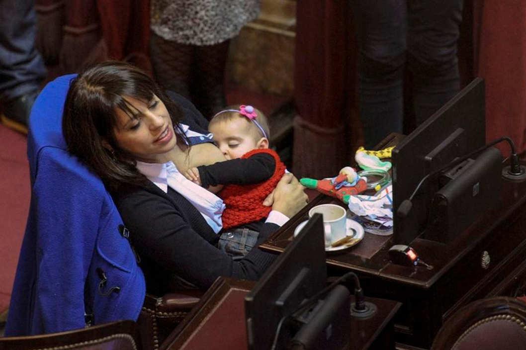 24-victoria-donda-perez-breastfeeding.w529.h352.2x