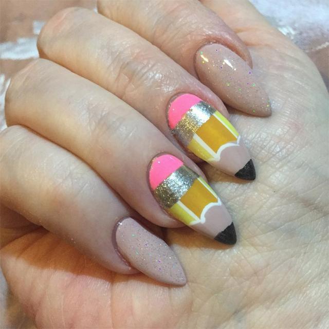 sandras-nailz-pencils