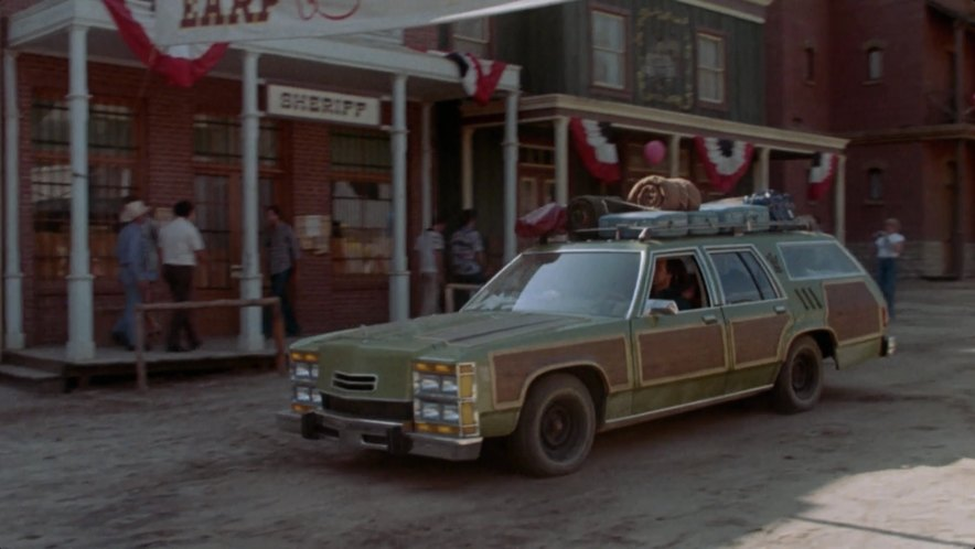 Griswold-Family-Vacation-Station-Wagon-Moving