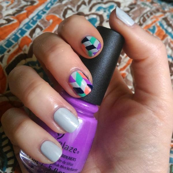 sara-freehand-herringbone-nails
