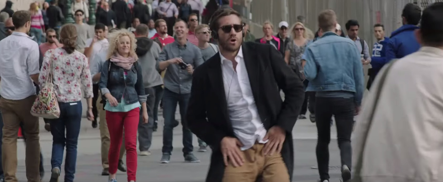 Picture of Jake Gyllenhaal Dancing in Demolition Movie