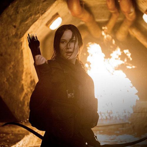 Jennifer-Lawrence-Mockingjay-Part2-Cave