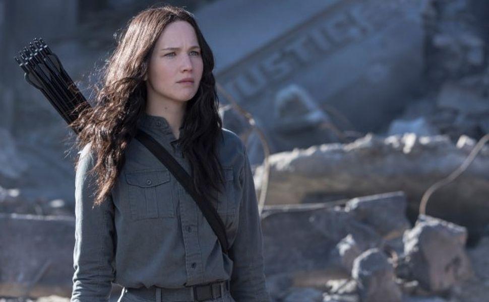 katniss-mj-1-600x399-hunger-games-3-mockingjay-new-teaser-reveals-katniss-peeta-and-gale-spoilers