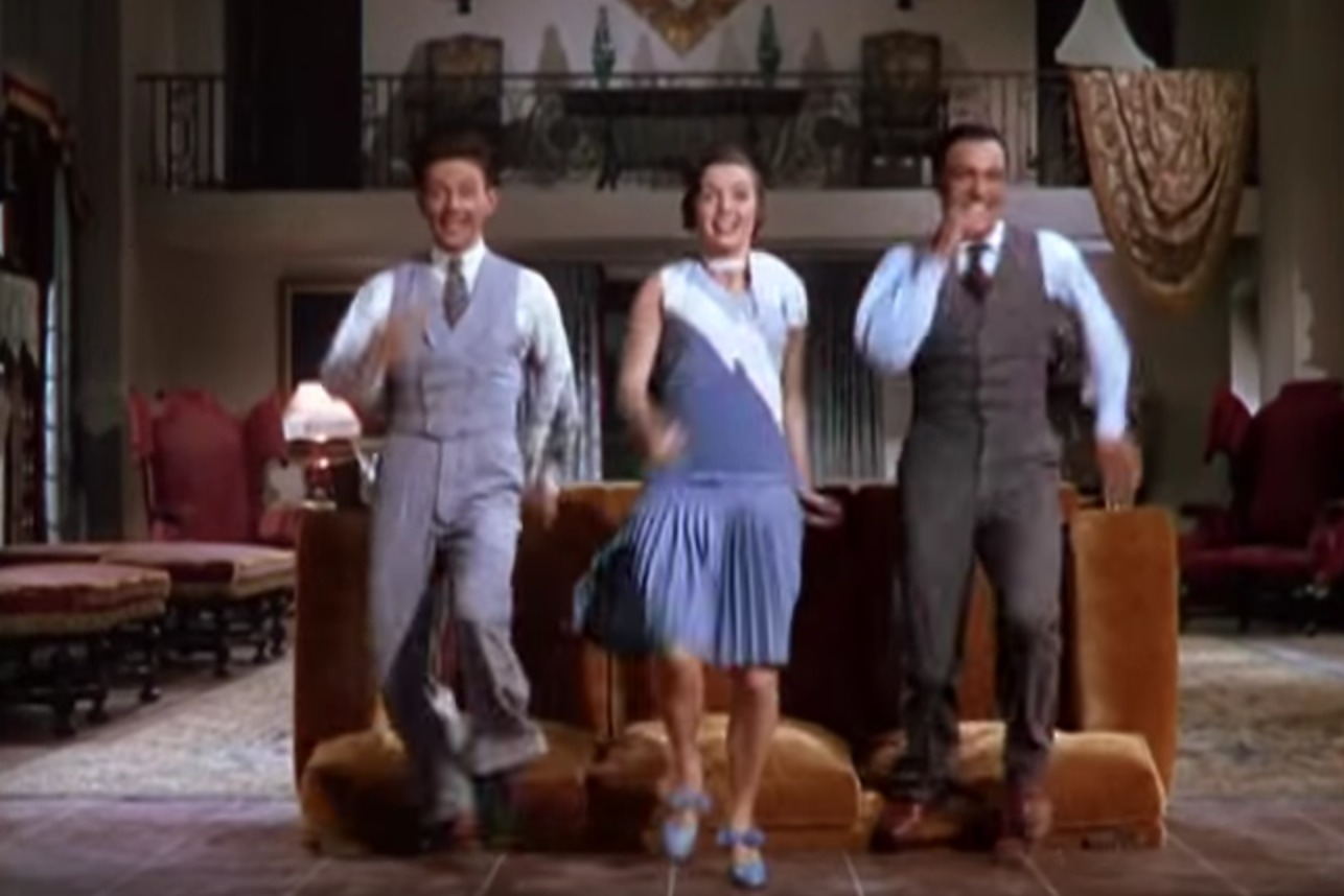 Picture of Singin' in the Rain Couch