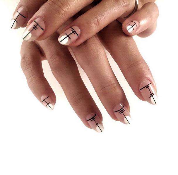elegant-kanji-inspired-nail-art
