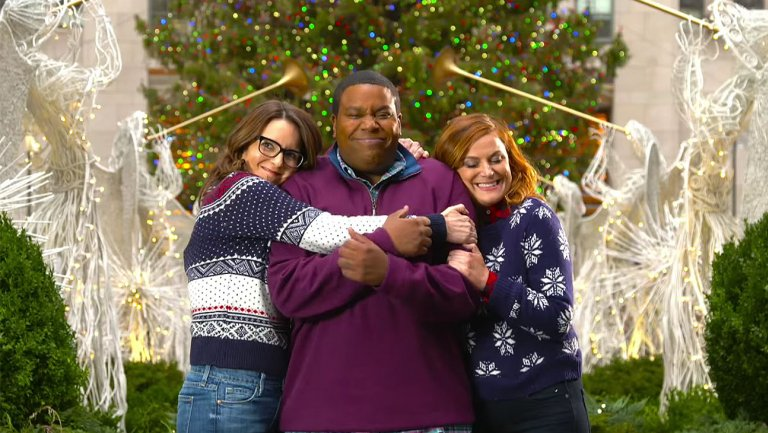 snl_hosts_tina_fey__amy_poehler_build_a_snowman_with_kenan_-h_2015