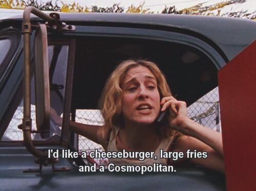 carrie-bradshaw-cheesburger-cosmopolitan-fries-Favim.com-1820925.jpg