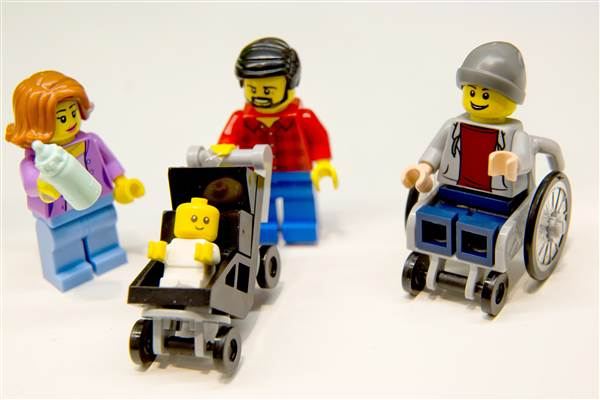 160224-lego-stay-at-home-dad-mn-1500_58b5d2e98a1e57bf123241b9bdc60b36.nbcnews-ux-600-480