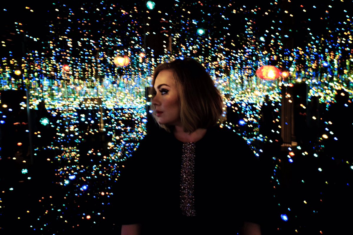 Picture of Adele in the Mirror Room at The Broad