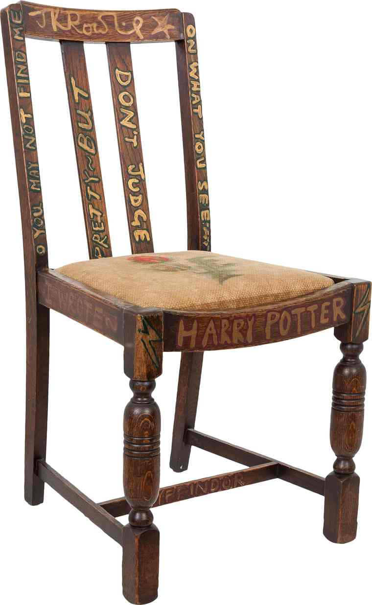 picture-of-jk-rowling-chair-photo.jpg