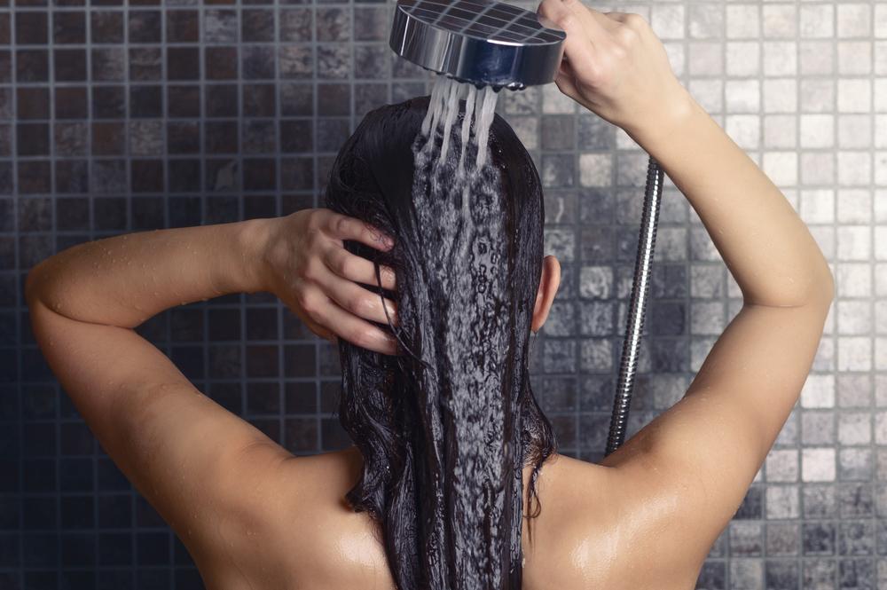 washing-hair-hair-water-trend