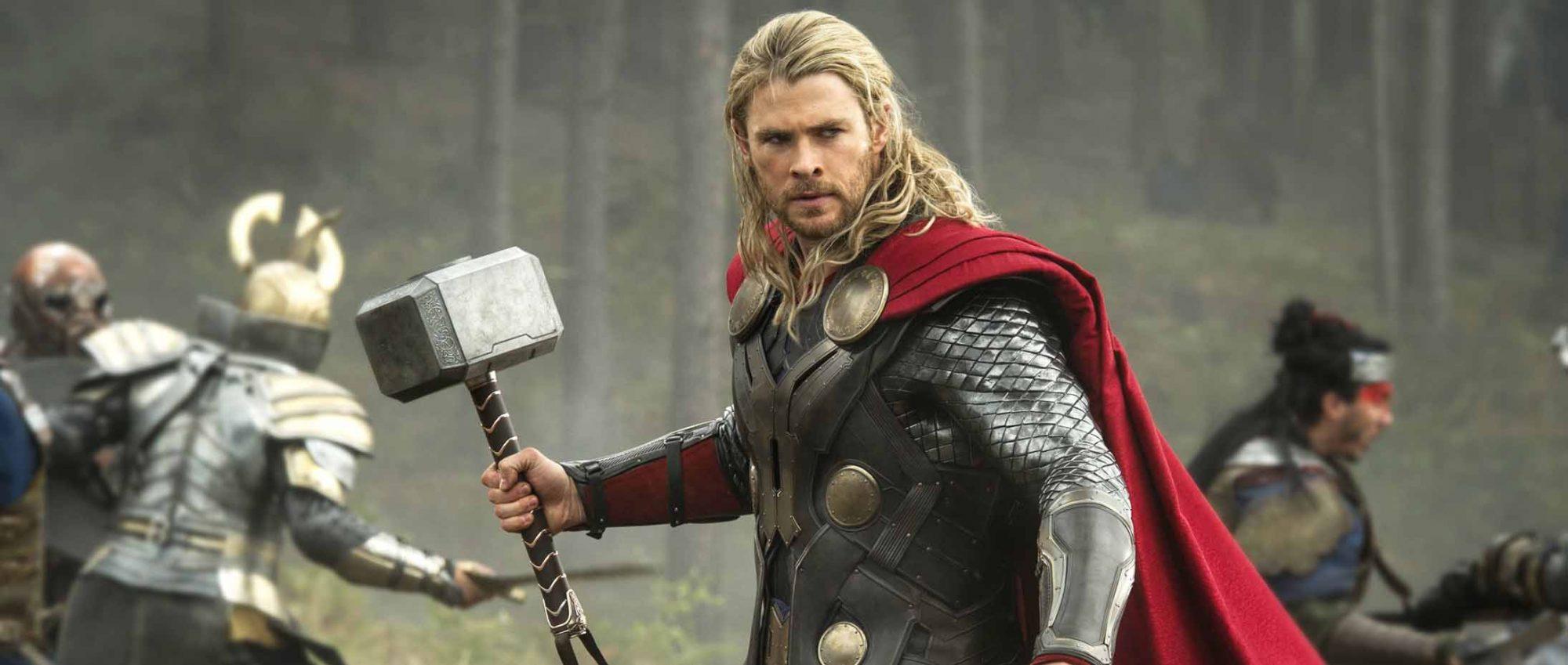 Thor-The-Dark-World-Chris-Hemsworth-hammer