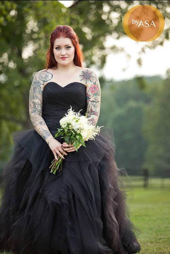 Black-Wedding-Dress-10.jpg