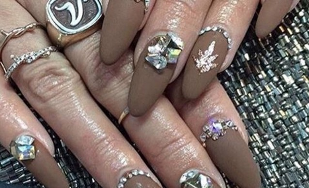 vanessa coachella nails