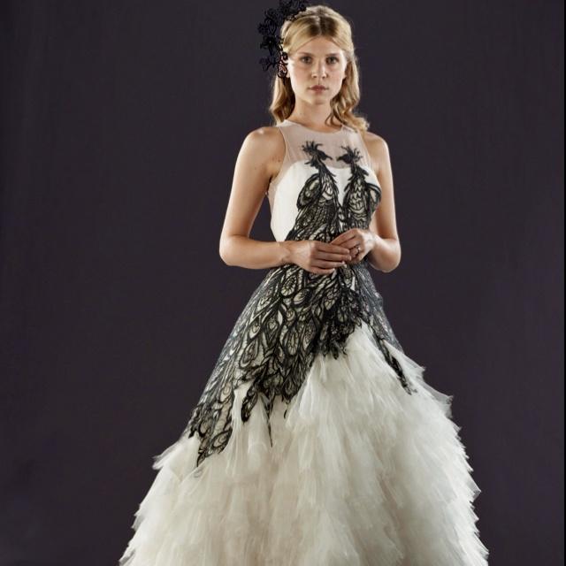 Movie-Wedding-Dress-18.jpg