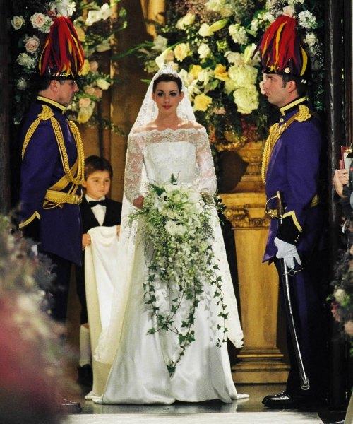 Movie-Wedding-Dress-19.jpg