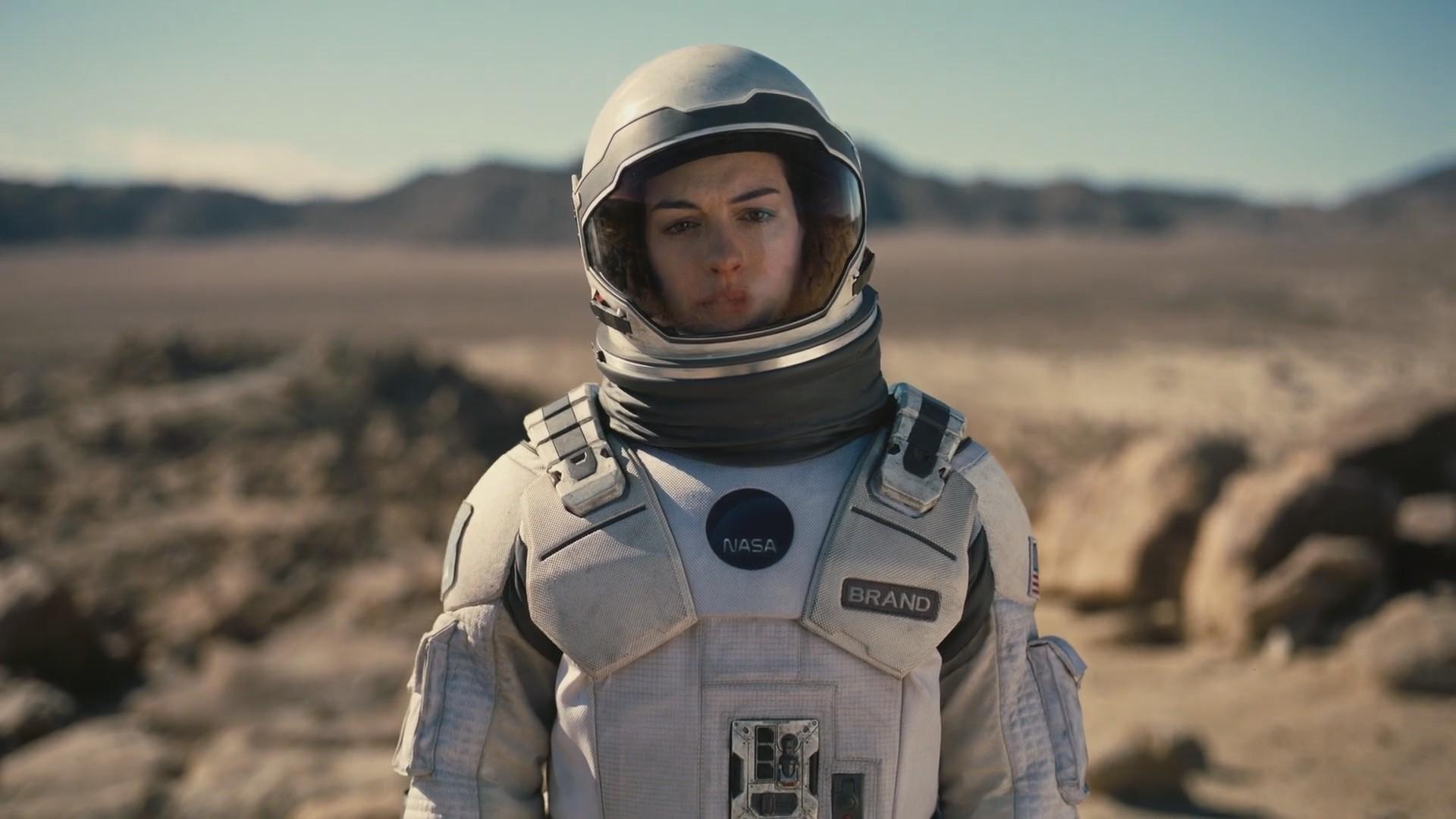 Picture of Anne Hathaway in Interstellar
