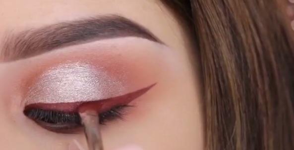 lipstick-eyeliner2.jpg