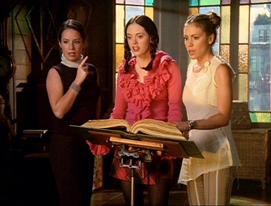 Charmed-A-Knight-to-Remember-supernatural-and-charmed-24834472-396-300.jpg