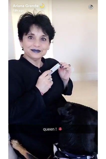 ArianaGrandeQueen.jpg