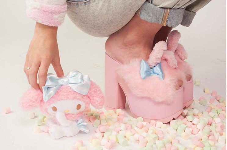 yru-sanrio-shoes-1.jpg