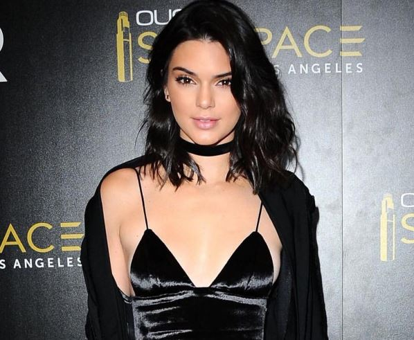 Kendall 90s look