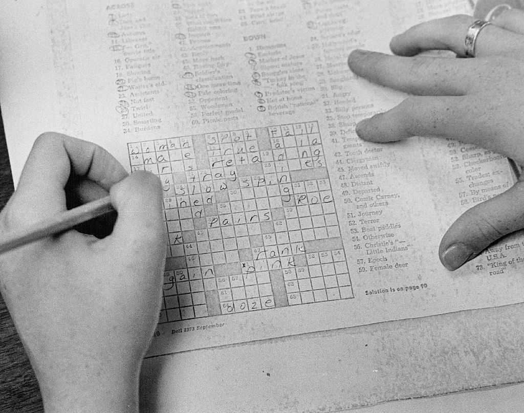 NOV 1973, NOV 23 1973; Working A Crossword Puzzle Improves Reading Skills; Students can get credit f