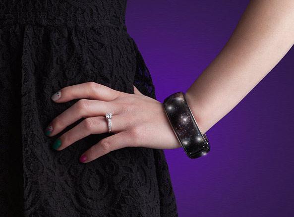 itqo_celestial_fireworks_bracelet_model-1