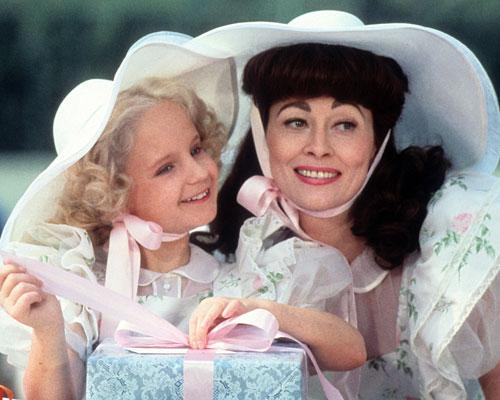mommie-dearest-joan-crawford.jpg