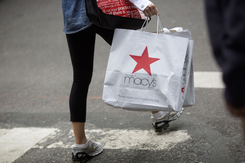 Shoppers On Fifth Avenue Ahead Of Consumer Confidence Figures