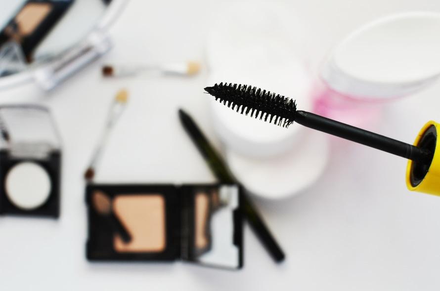 fashion-girl-makeup-paint-large.jpg