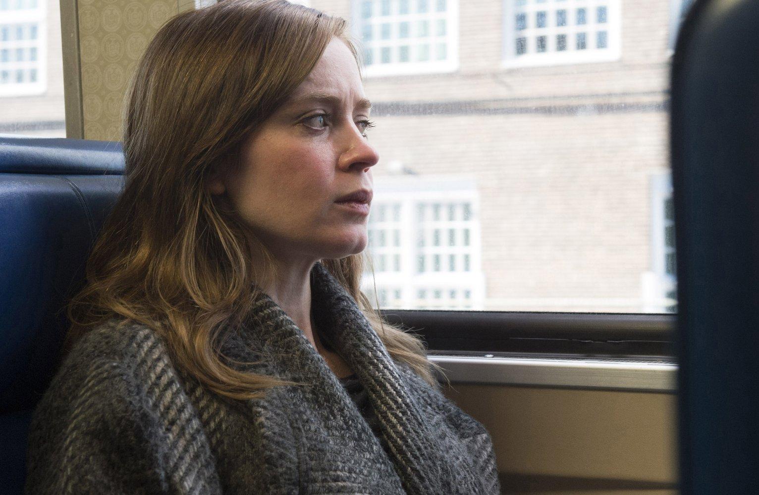 Girl-on-the-train.jpg