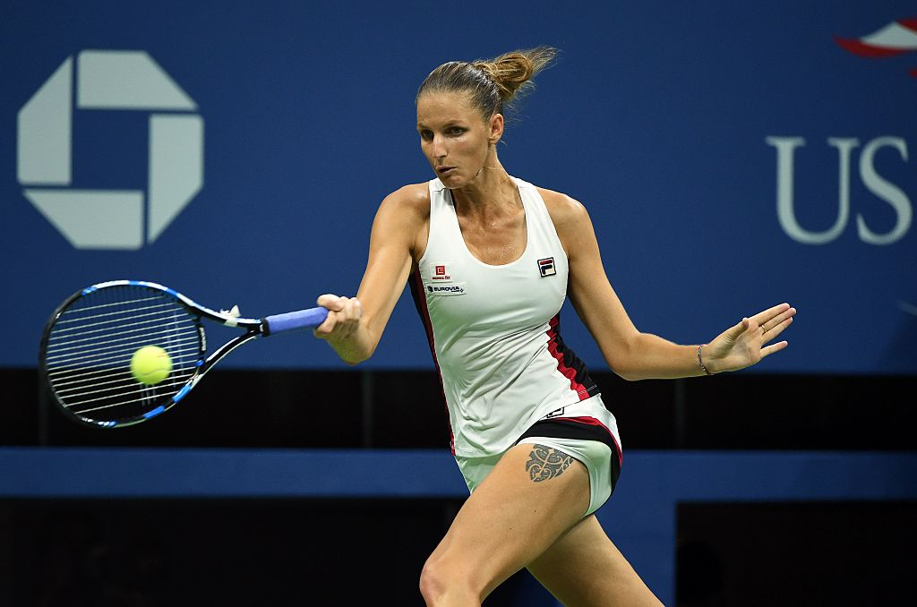 Karolina Pliskova of Czech Republic hits a return against Serena Williams of the US during their 2016 US Open Womens Singles semifinal match at the USTA Billie Jean King National Tennis Center in New York on September 8, 2016. / AFP / Timothy A. CLARY        (Photo credit should read TIMOTHY A. CLARY/AFP/Getty Images)